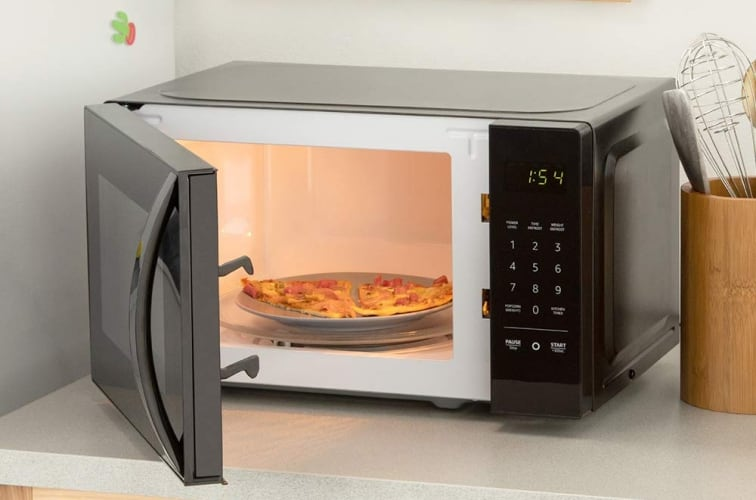 AmazonBasics Microwave with Alexa